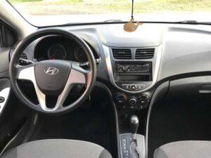 Hyundai Solaris салон1