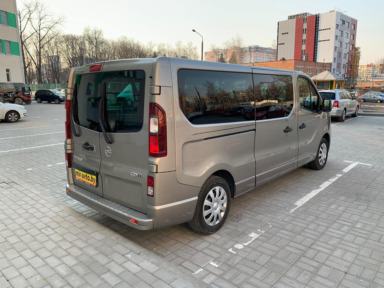 Opel Vivaro II Long
